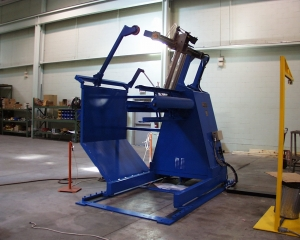 UNCOILER - REEL WITH OVERARM COIL CENTERING ROLLERS